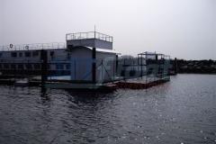 fischzucht-ponton-2