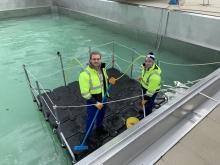 schwimmende-arbeitsplattform.schwimmbecken-reinigungsarbeiten-kassel