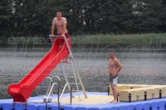 badeinsel-mit-rutsche-2