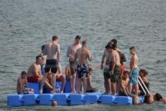 ponton-badeinsel-mit-rutsche-2