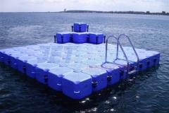 schwimmende-badeinsel-mit-eckaufdopplung-18