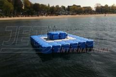 schwimmende-badeinsel-mit-eckaufdopplung-2