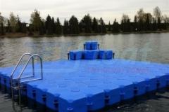 schwimmende-badeinsel-mit-eckaufdopplung-3