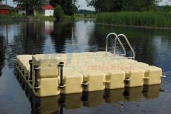 schwimmende-badeinsel-mit-rutsche-18