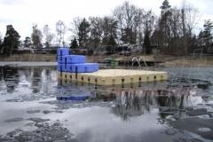 schwimmende-badeinsel-mit-rutsche-5