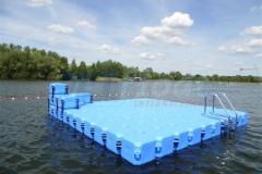 schwimminsel-mit-rutsche-10