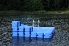 schwimminsel-mit-rutsche-14