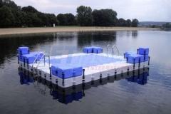 schwimminsel-mit-rutsche-2