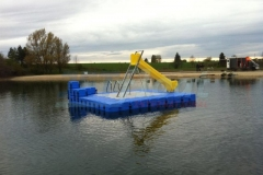 schwimminsel-mit-rutsche-20