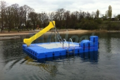 schwimminsel-mit-rutsche-21