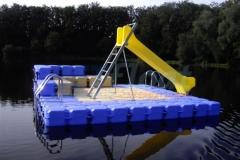 schwimminsel-mit-rutsche-3
