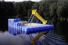 schwimminsel-mit-rutsche-4
