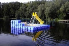 schwimminsel-mit-rutsche-5
