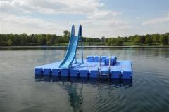 schwimminsel-mit-rutsche-8