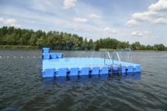 schwimminsel-mit-rutsche-9