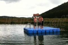 Badeinsel aus Ponton Schwimmkörpern mit extrem langer Lebensdauer