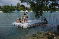 Badeinsel aus Ponton Schwimmkörpern überall einsetzbar
