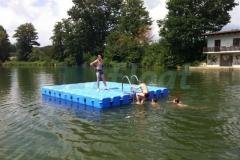 Schwimmende Badeinsel sicher und stabil