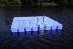 Badeinsel auch als Anlegestelle für Boote