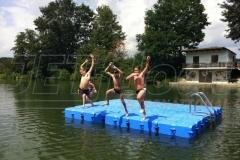 Schwimmende Badeinsel für jedes Gewässer