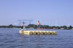 Schwimmende Badeinsel für Badefans
