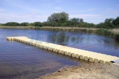 Langer Kunststoff Ponton Steg für besseren Einstieg ins Wasser
