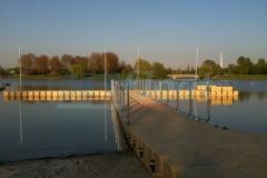 Badesteg aus Schwimmkörpern für Boote, Kajak, Ruderboote