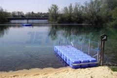 schwimmender Bdesteg in Fürstenfeldbruck aus Kunststoff Schwimmelementen