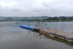 Badesteg aus Jetfloat Elementen kaufen für den pergekten Einstieg ins Wasser - hier am Niedersonthofener See in Waltenhofen