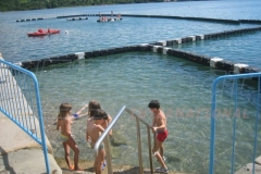 Badesteg Schwimmsteg Pontons