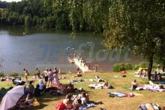 Badesteg Schwimmsteg Ponton bei Wetterburg im Landkreis Waldeck-Frankenberg