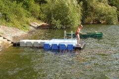 Badesteg bzw. Schwimmsteg aus Kunststoff am Edersee