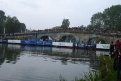 Schwimmende Behelfsbrücke Pontons