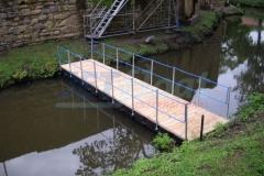 Ponton Behelfsbrücken schwimmend mieten
