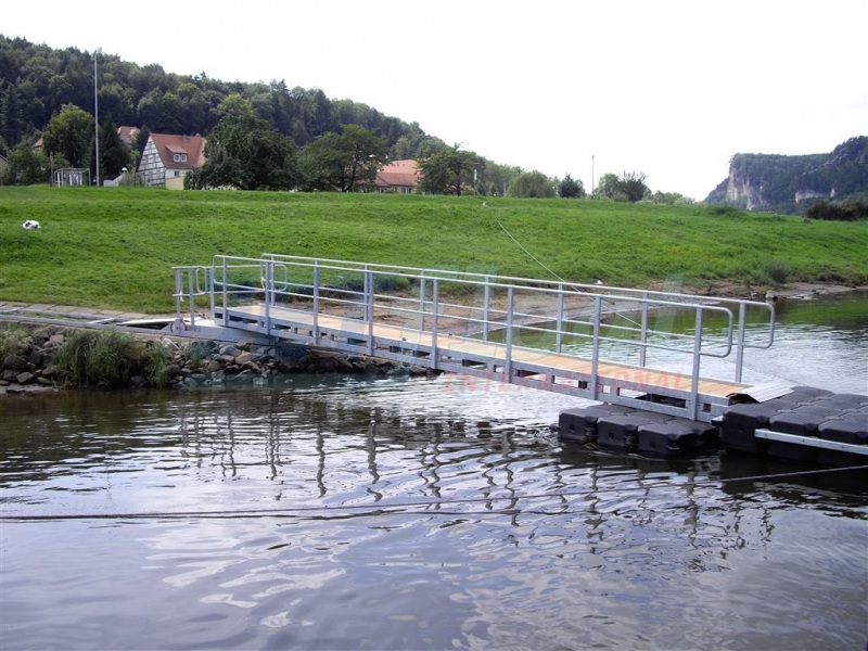 Bootsanleger bzw. Bootssteg kaufen - Duwe & Partner