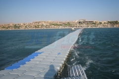 Schwimmende Wellenbrecher