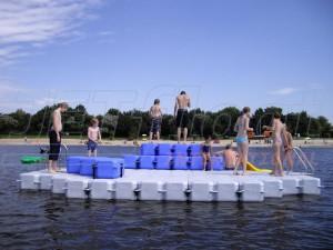 Kunststoff Badeinsel für extremen Badespaß