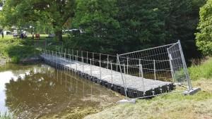 schwimmende Brücke in Krefeld Burg Linn