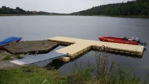 Bootsstege für Rettungsboote am Twistesee