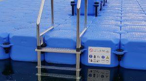 Badeinsel aus Kunststoff Sicherheitshinweise