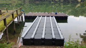 Ponton Badesteg  kaufen in Holz Optik mit Duwe & Partner & JETfloat Schwimmkörpern