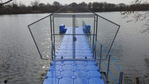 Steg für Taucher und Ihre Tauchübungen im Badesee in Tannenhausen