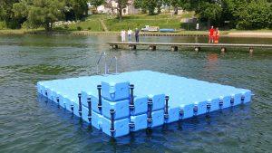 Kunststoff Badeinsel / Schwimminsel am Schweriner See aus modularen JETfloat Ponton Schwimmelementen