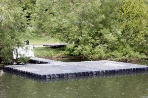 Schwimmende Plattform aus Plastik Schwimmkörpern hochwertig und flexibel
