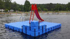 Ponton Badeinsel im Badesee in Angermünde aus modularen Schwimmelementen