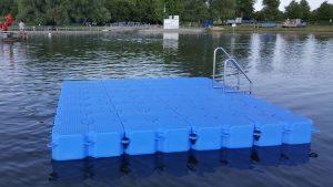 JETfloat Badeplattform aus modularen Schwimmelementen in Warin von Duwe & Partner
