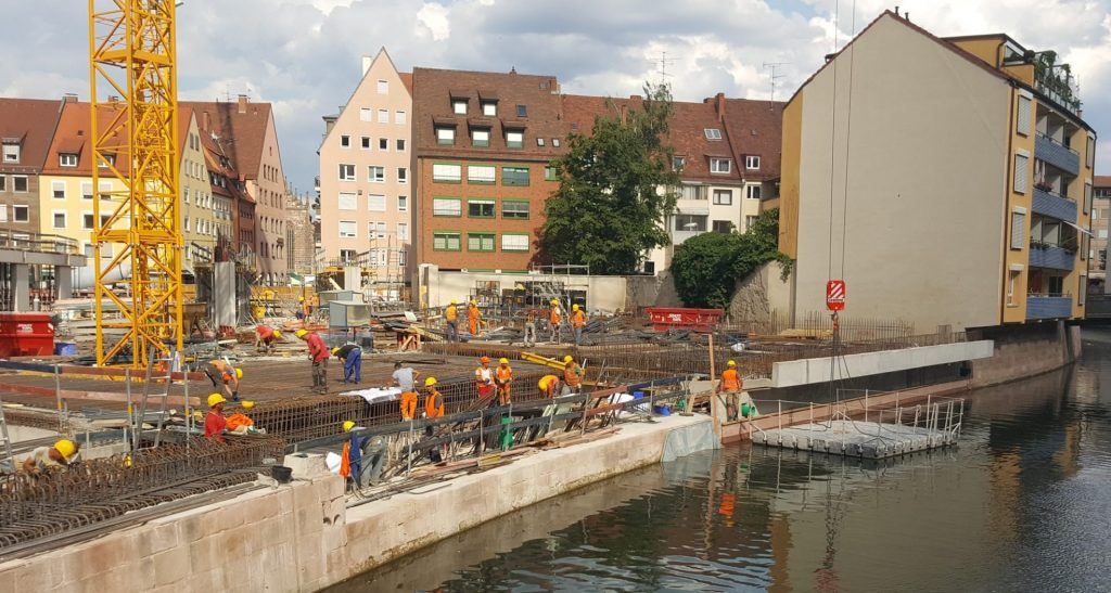 Kunststoff Schwimmkörper Arbeitsplattform Nürnberg Augustinerhof