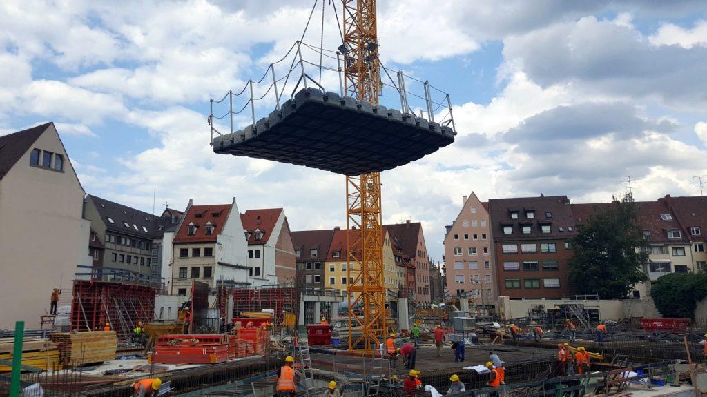 JETfloat Arbeitsponton in Nürnberg Baustelle Augustinerhof