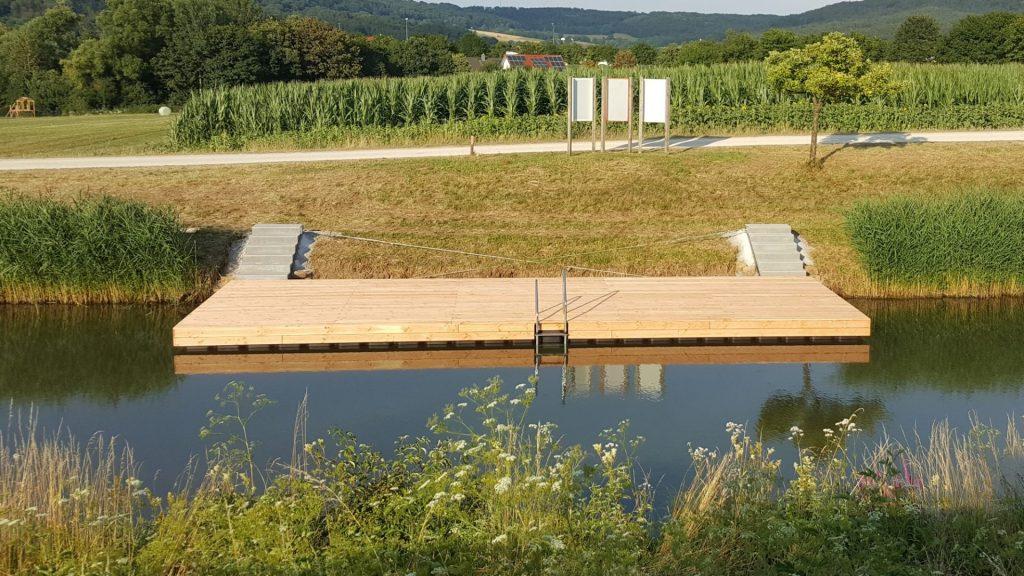 JETfloat Schwimmsteg mit Holz verkleidet Gemeinde Berg in der Oberpfalz