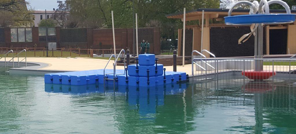ponton-badeinsel-wasser-vitalpark